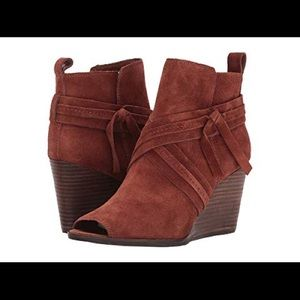 Lucky Brand Udom peep toe booties NEW!